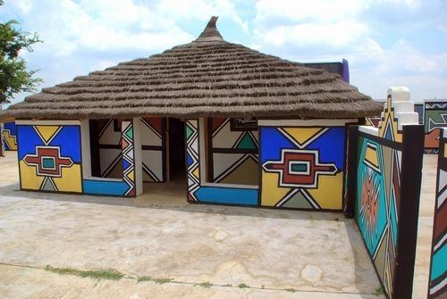 Die einzigartige Ndebele-Kunst von Esther Mahlangu